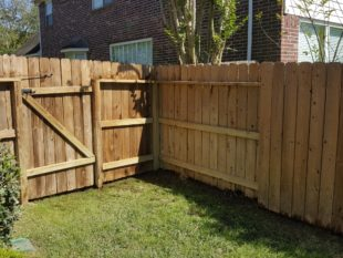Molded Fence After Cleaning